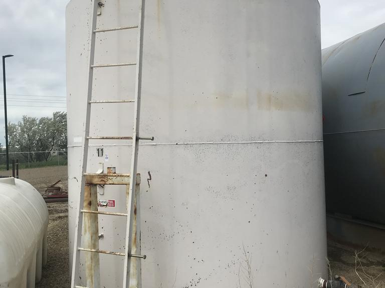 1-5,000 Gallon Upright Fuel Tank