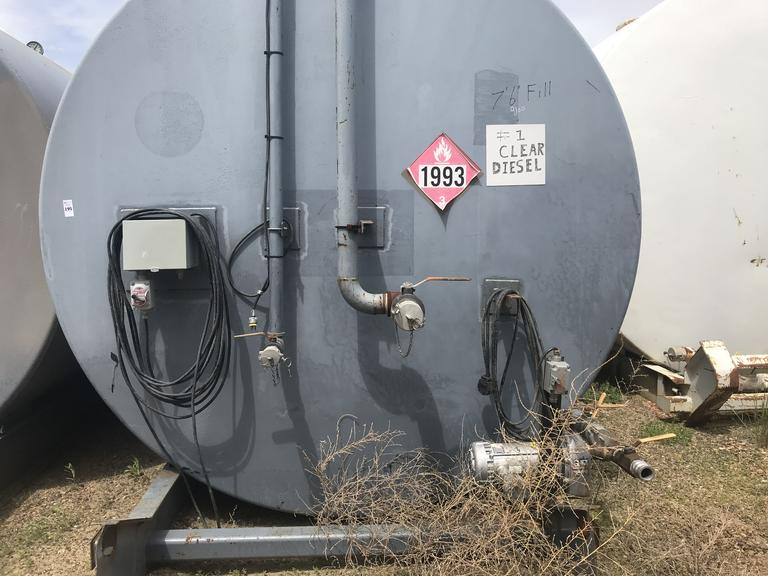 1-10,000 Gallon Horizontal Fuel Tank with pump